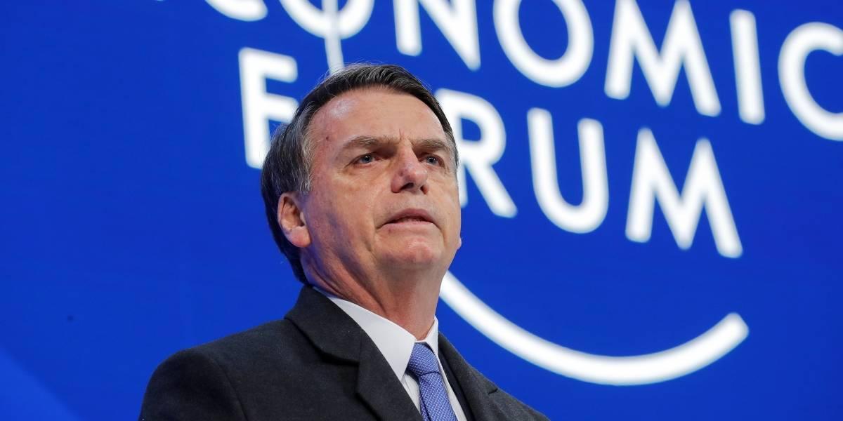 Após atraso e sem justificativas, Bolsonaro cancela coletiva de imprensa em Davos