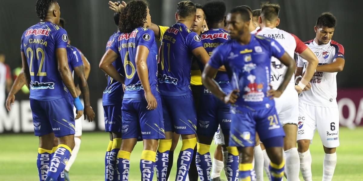 Copa Libertadores: Delfín golea 3 - 0 a Nacional de Paraguay
