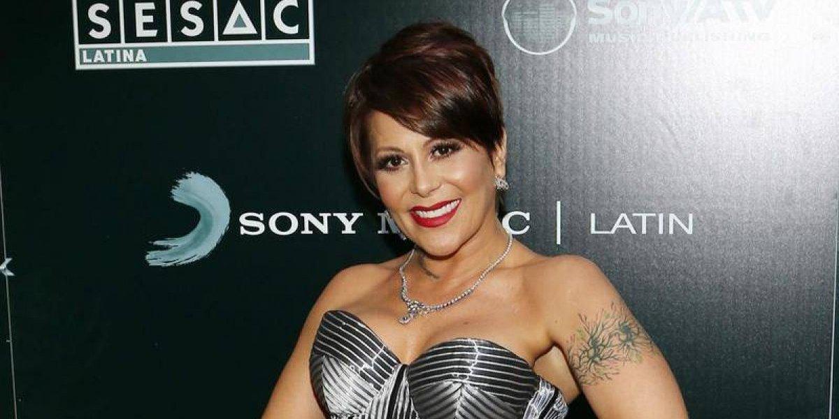 Vestido traiciona a Alejandra Guzman en pleno concierto
