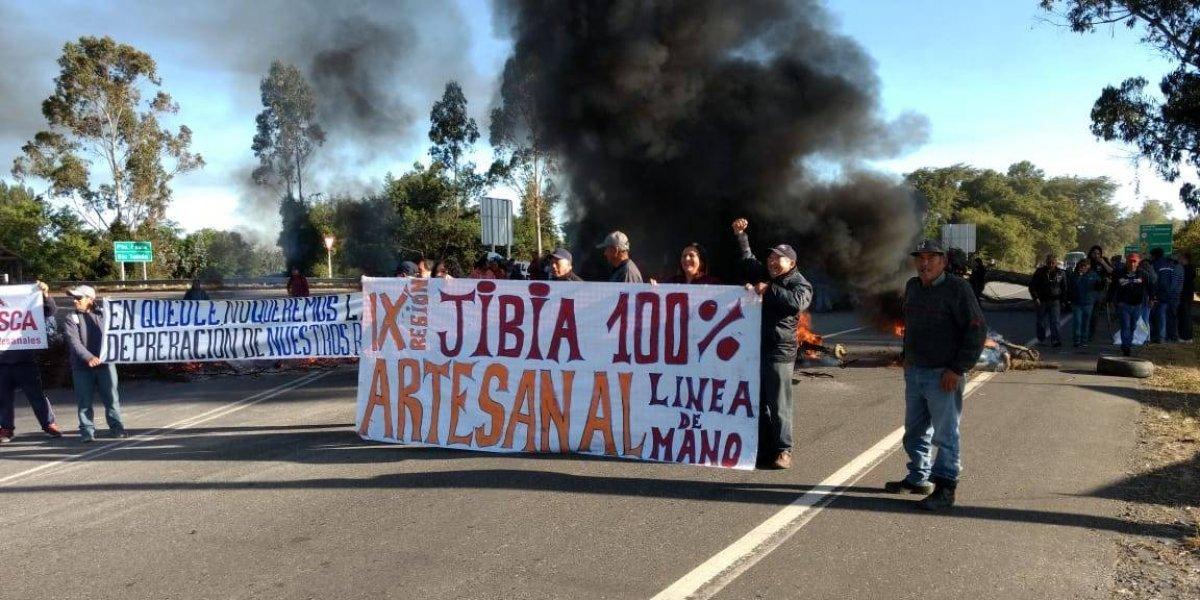 Voltereta de aquellas: Gobierno anuncia que desistirá del veto a ley de la jibia y ofuscó a los trabajadores industriales