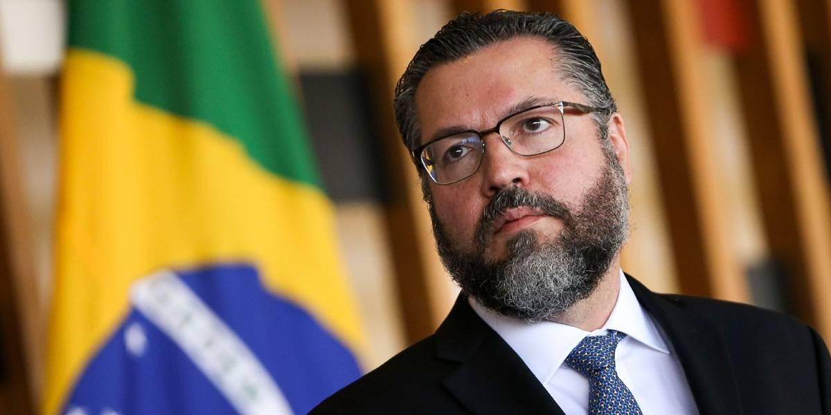 Ministro das Relações Exteriores afirma que 1964 não foi golpe, foi 'movimento necessário'