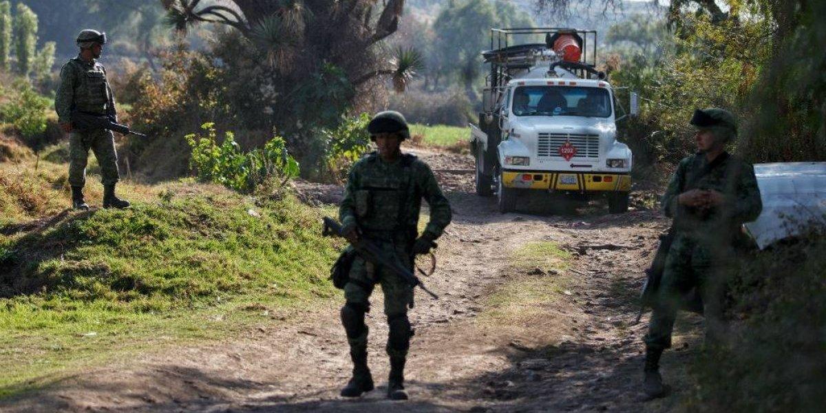 Controlan fuga de combustible en ducto de Pemex en Hidalgo