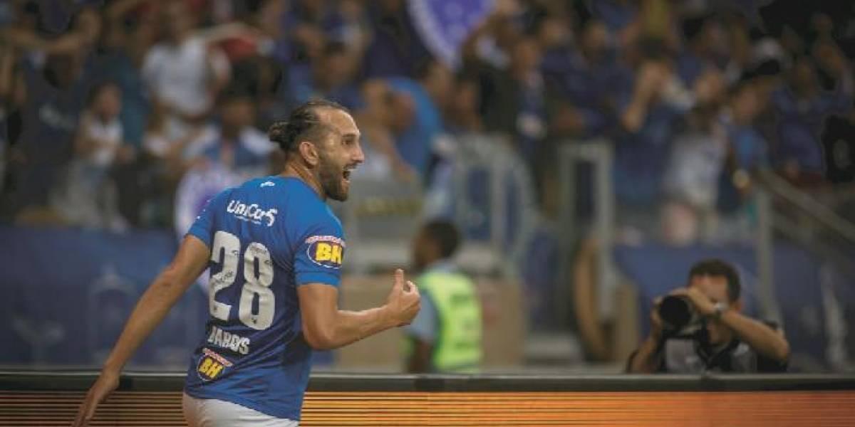 Hernán Barcos terminó su contrato con Cruzeiro y suena para un club de Ecuador
