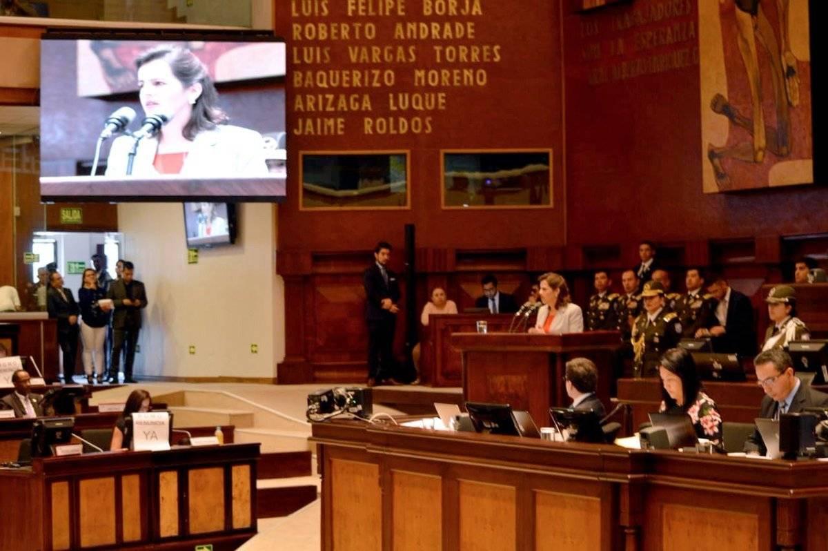 María Paula Romo en la Asamblea Nacional Twitter