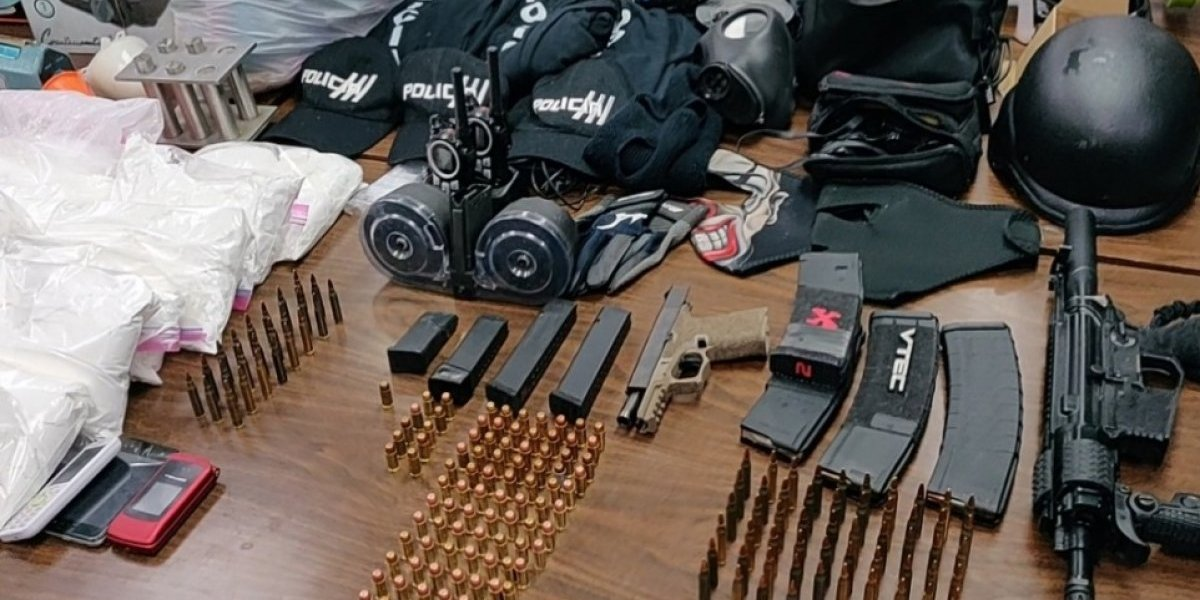 Ocupan autos hurtados, armas ilegales y drogas en Bayamón