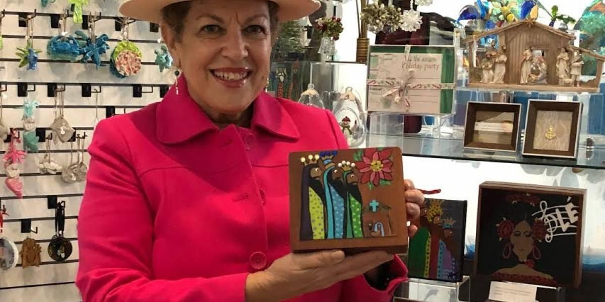 Artista boricua planta bandera en San Agustín