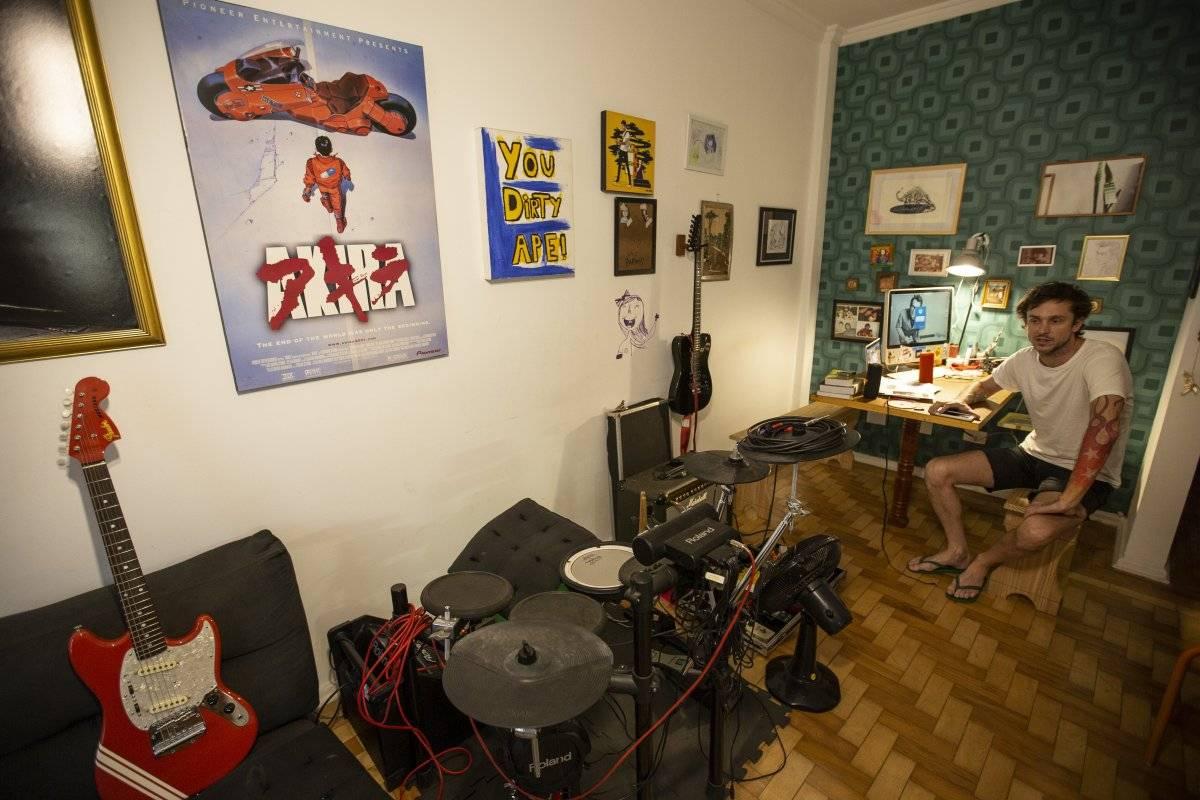 Sala de estar do apartamento do Chuck, na zona oeste de São Paulo André Porto/Metro