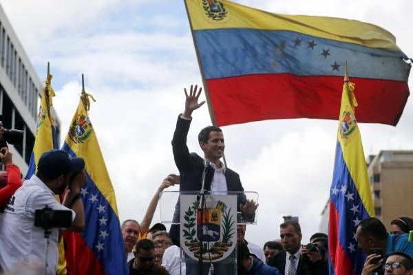 Guillermo Lasso exhorta a Lenín Moreno a reconocer cargo de Juan Guaidó como presidente de Venezuela