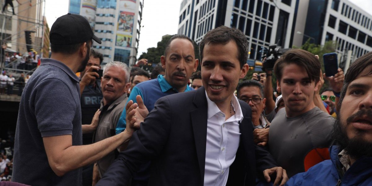 El líder del Parlamento asume la Presidencia de Venezuela de forma interina