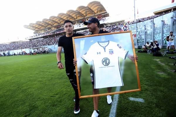 Baeza fue presentando oficialmente en su nuevo club /Imagen: Agencia UNO