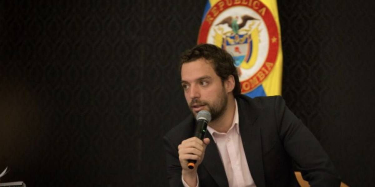 Usuarios de Twitter piden a Luis Ernesto Gómez liderar la coalición alternativa