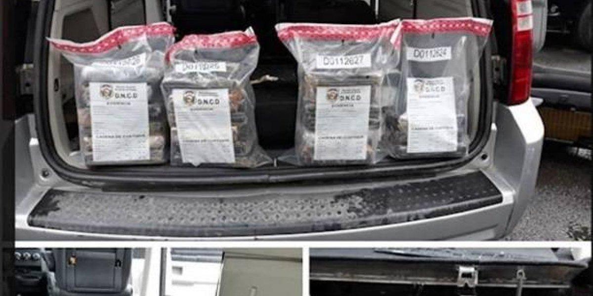 Autoridades incautan 22 kilos de cocaína y detienen a 2 hombres en operativo