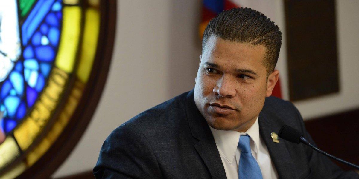 Representante quiere investigar el desembolso de fondos federales para la reconstrucción