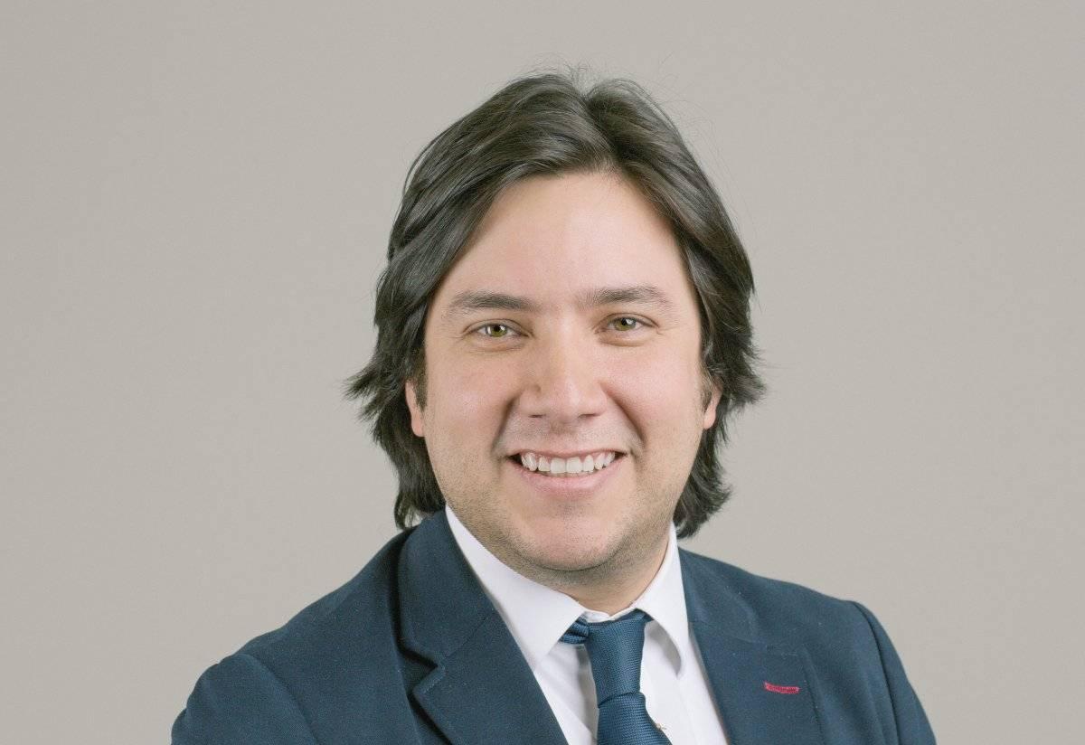 Julián Cárdenas García profesor investigador en el Centro de Derecho de la Universidad de Houston y ex diplomático de carrera del servicio exterior venezolano