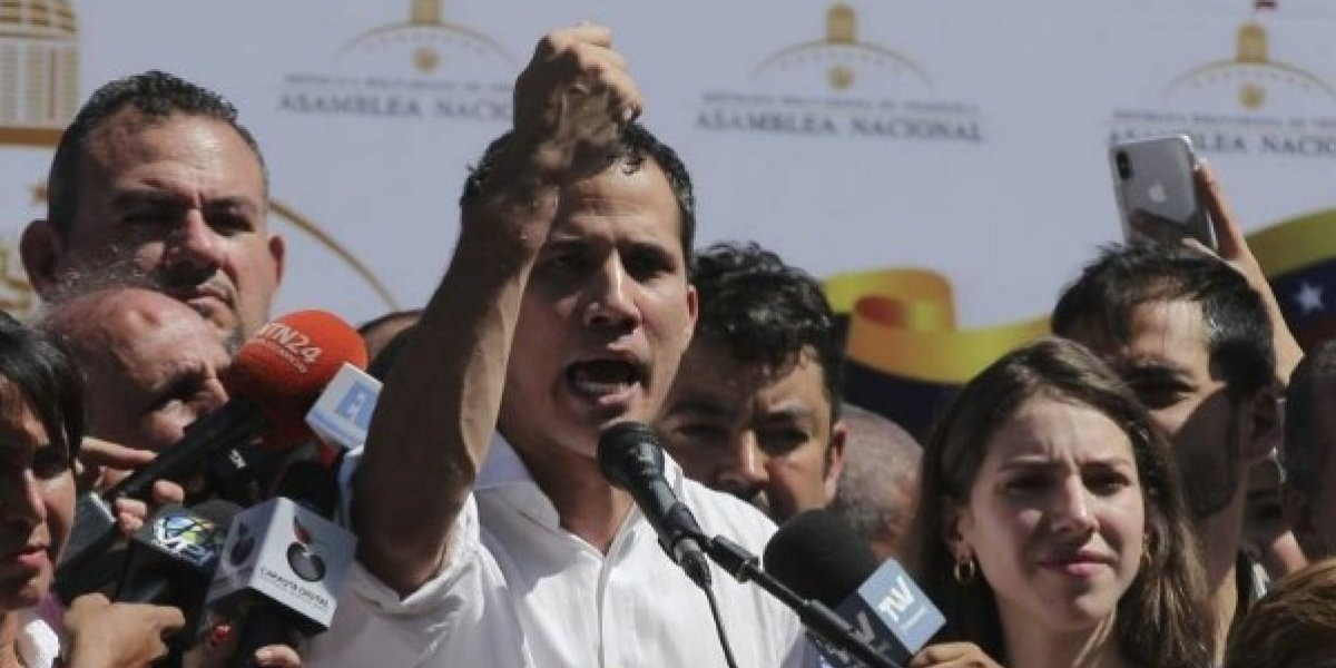"Juan Guaidó se declara presidente ""encargado"" de Venezuela"