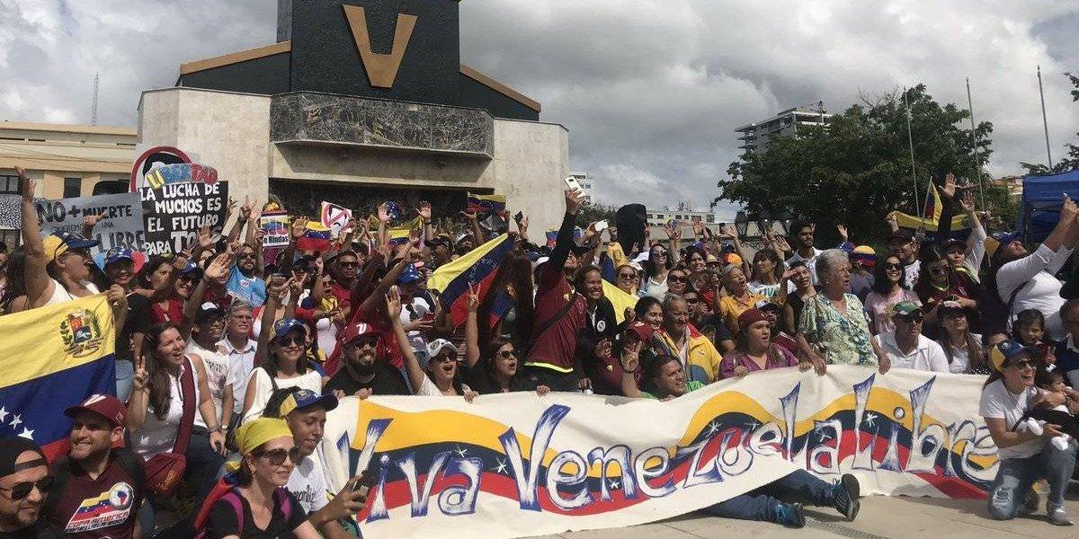 Venezolanos se manifiestan en Santo Domingo en contra del Gobierno de Maduro