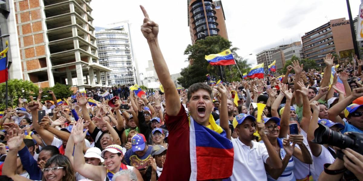 Aumenta la tensión interna: EEUU ignorará la orden de Maduro de desalojar Venezuela