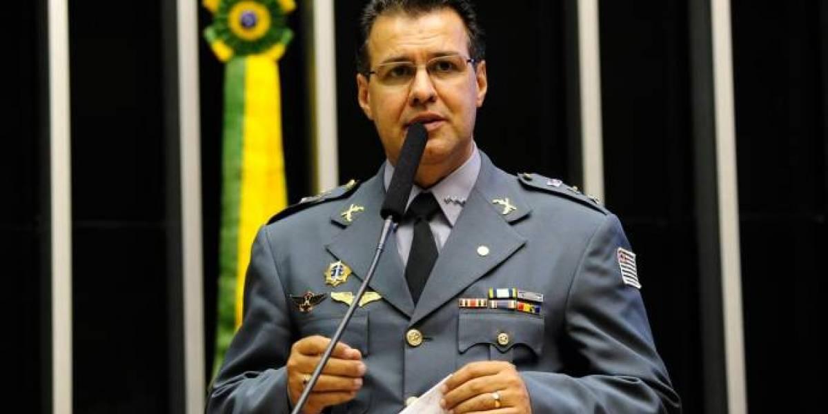 Candidato do PR, Capitão Augusto, desiste de candidatura à Câmara e apoia Rodrigo Maia