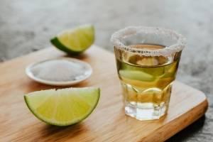 Un brindis para festejar que el tequila tiene su propio día