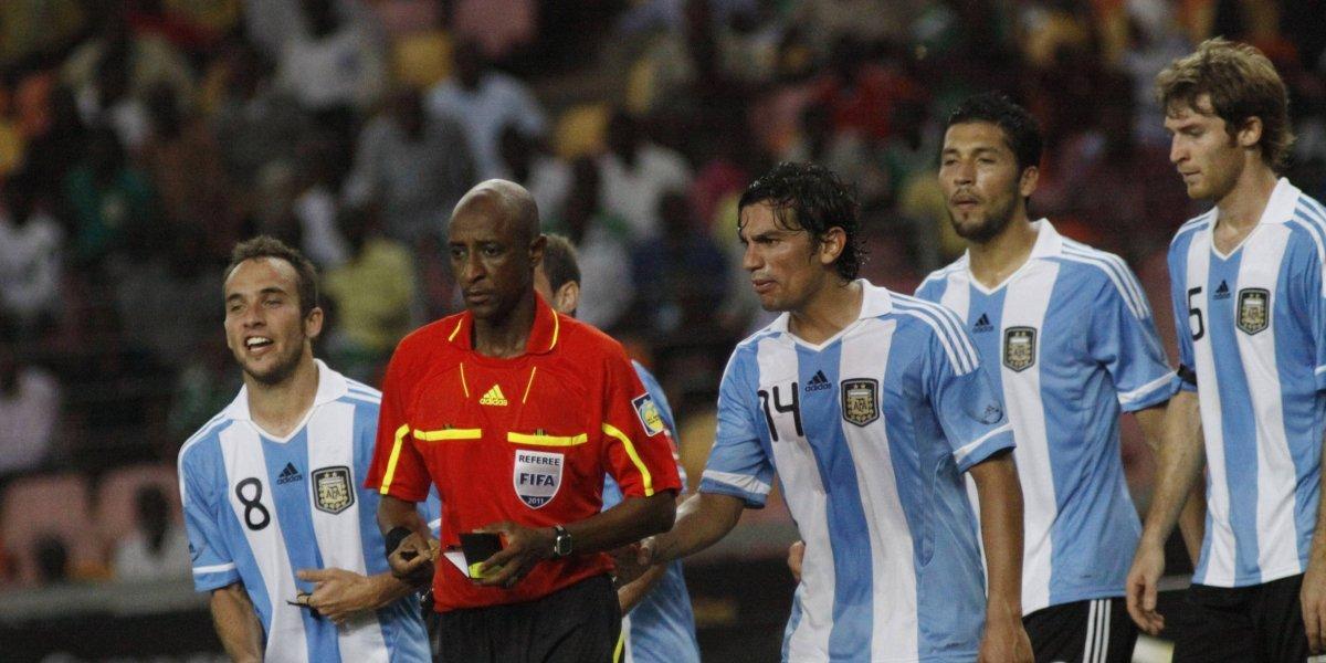 FIFA suspende de por vida a un árbitro nigeriano por recibir sobornos