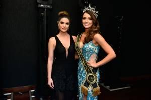 A coordenadora do concurso Nabila Furtado com a Miss 2019, Thainá Castro