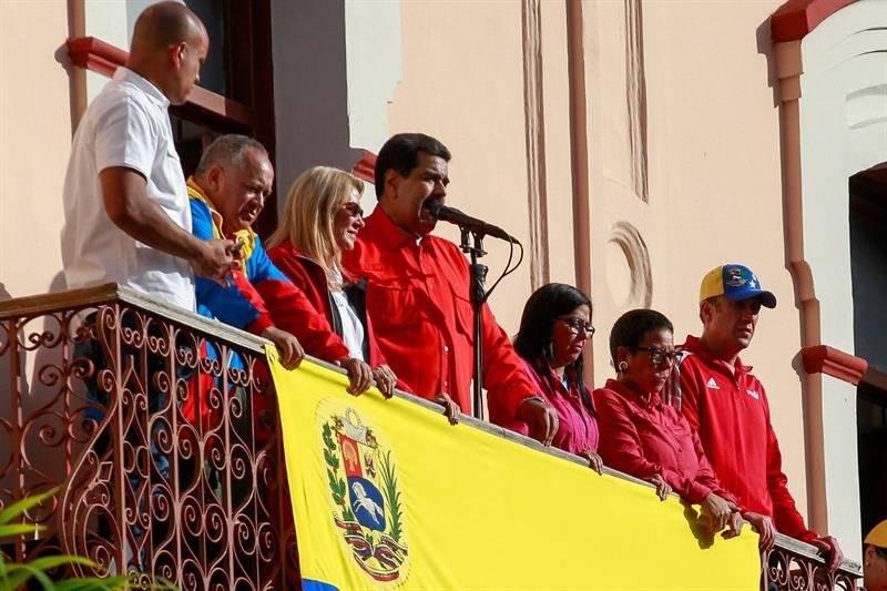 Nicolás Maduro dirigiéndose a sus seguidores