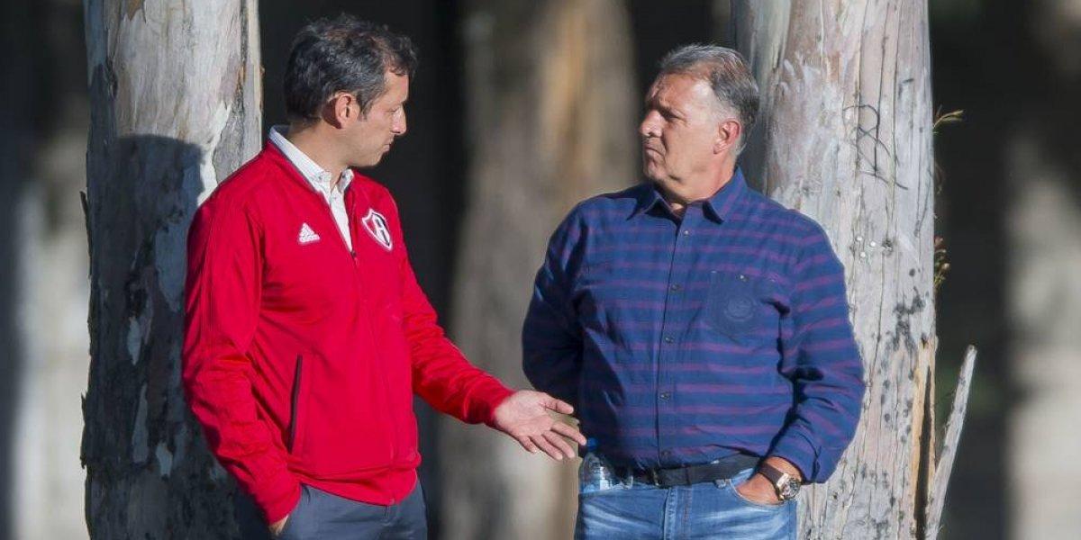Tata Martino inicia su gira por Guadalajara visitando al Atlas
