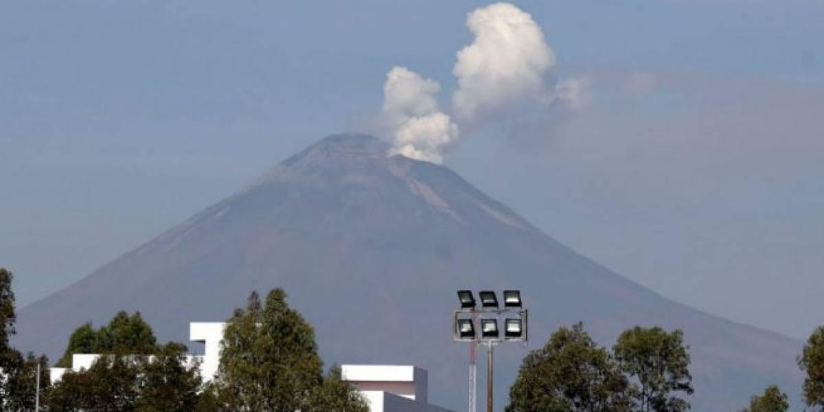 Imágenes a color de la explosión del volcán Popocatépetl en México