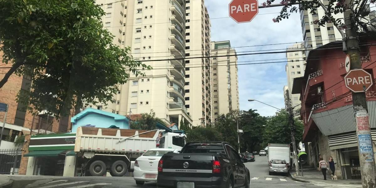 Moradores de Perdizes pedem semáforo entre as ruas Diana e Vanderlei