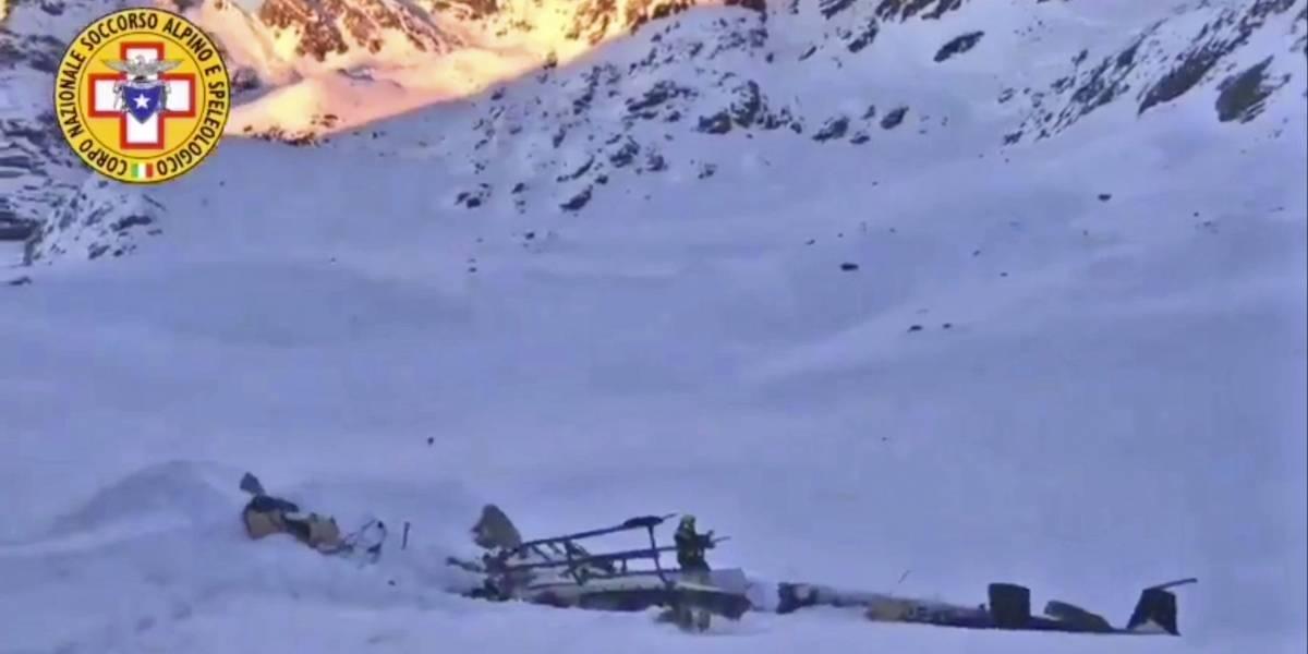 Choque entre avioneta y helicóptero en Italia