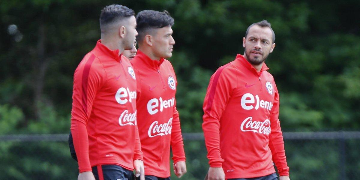 """Eugenio Mena eligió al jugador más importante de la Roja y también quiere la vuelta del """"sabio"""" Marcelo Díaz"""