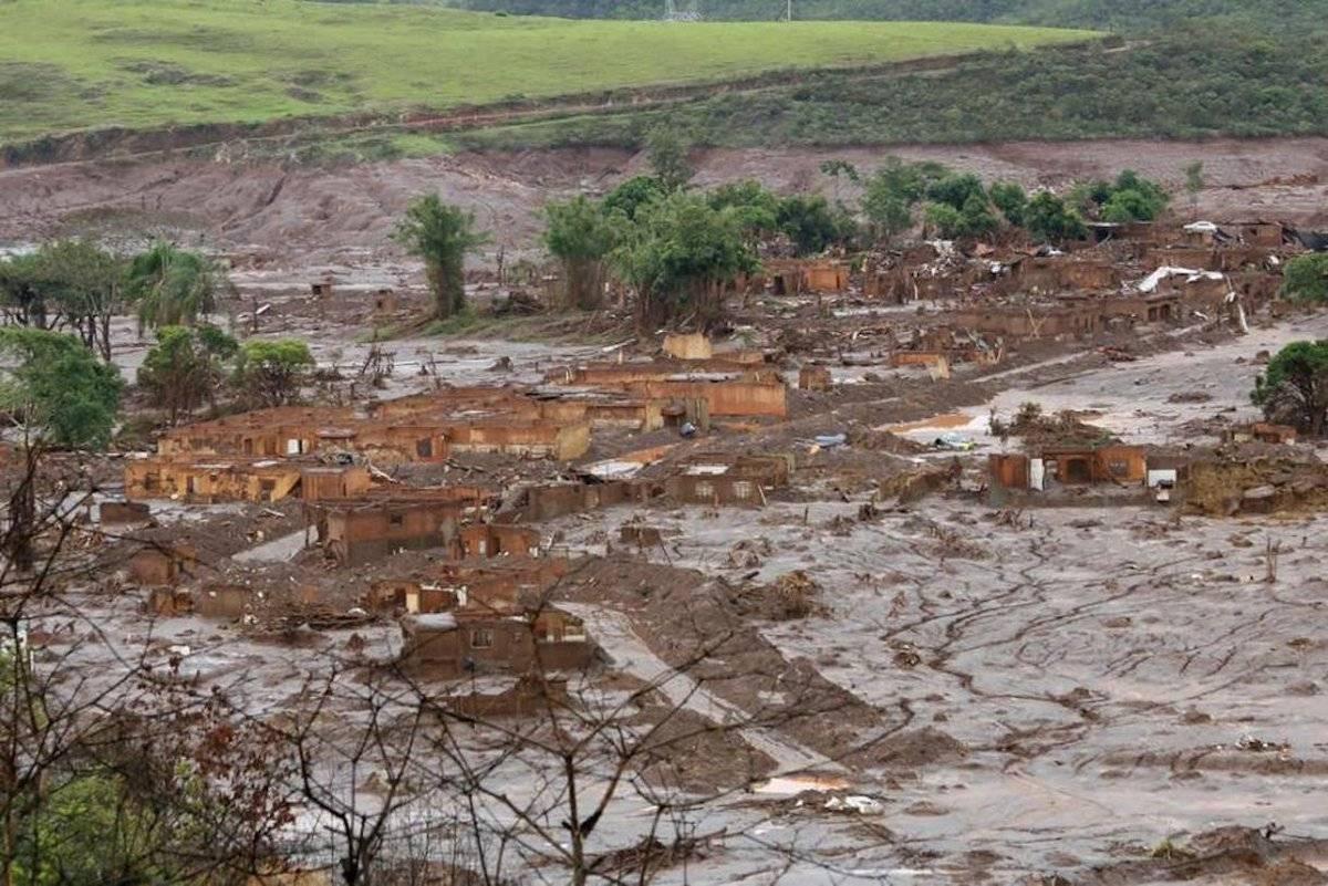 Una de las represas de Vale en una mina de hierro en jurisdicción de Brumadinho, municipio de Minas Gerais (sudeste), se rompió Twitter