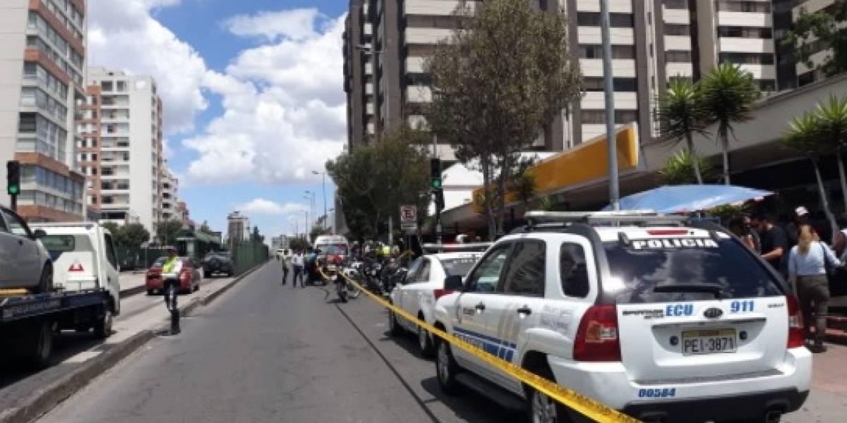 Quito: Sacapintas asesinan a un hombre en la avenida 6 de Diciembre y Portugal
