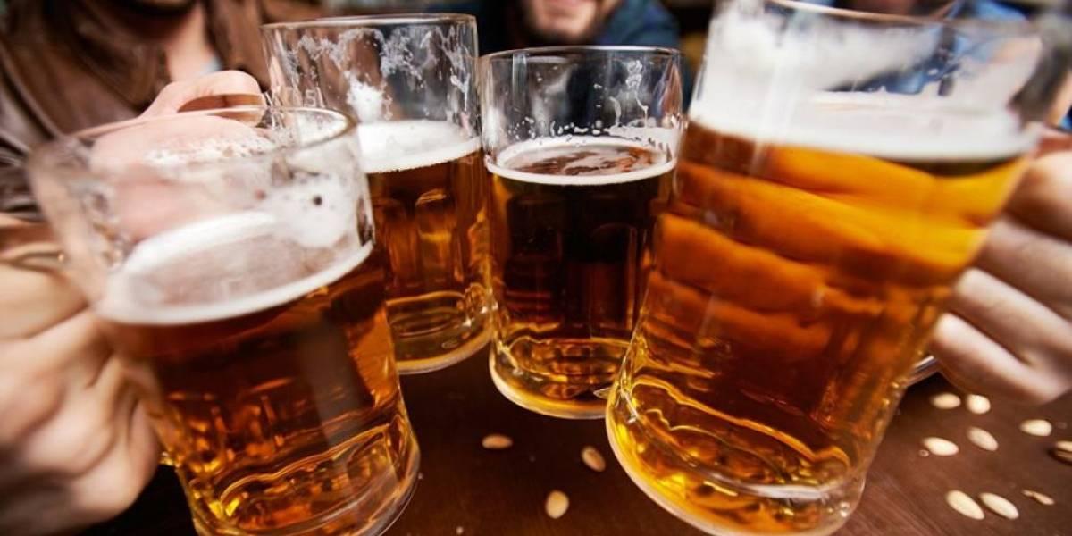 ¡Qué alguien haga esto en Chile por favor! Bar regala cervezas heladas producto de la ola de calor en Australia