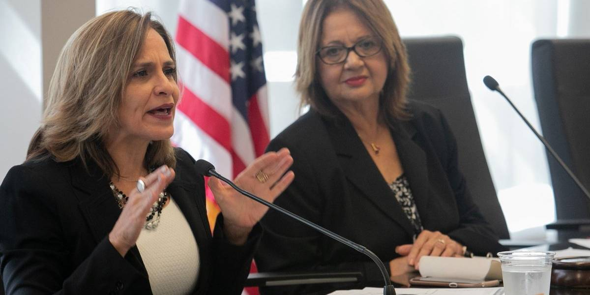 Senadora Zoé Laboy frena a pastor que la atacó en Twitter