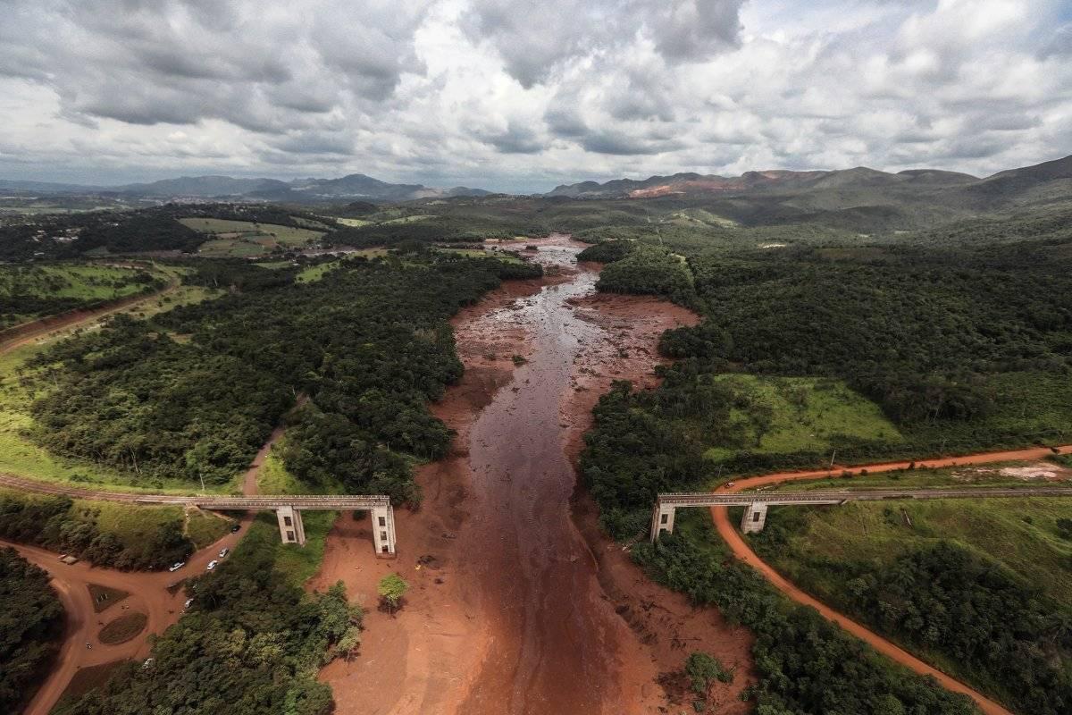 Tragedia en Brasil, 34 muertos y más de 250 desaparecidospor deslave minero EFE