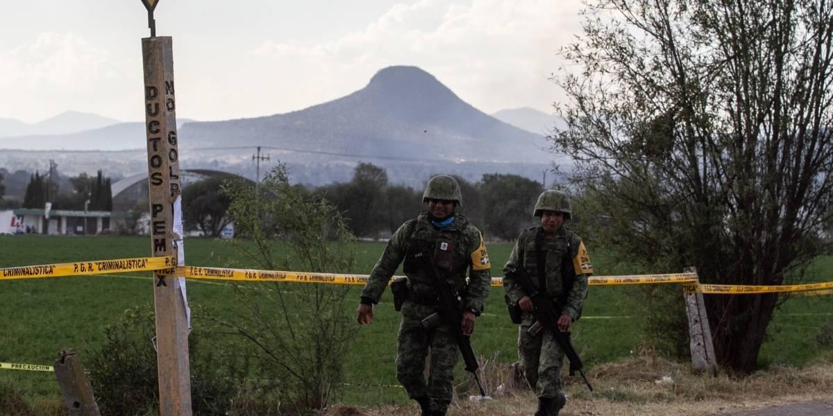 Sube a 114 los fallecidos por explosión de oleoducto en México