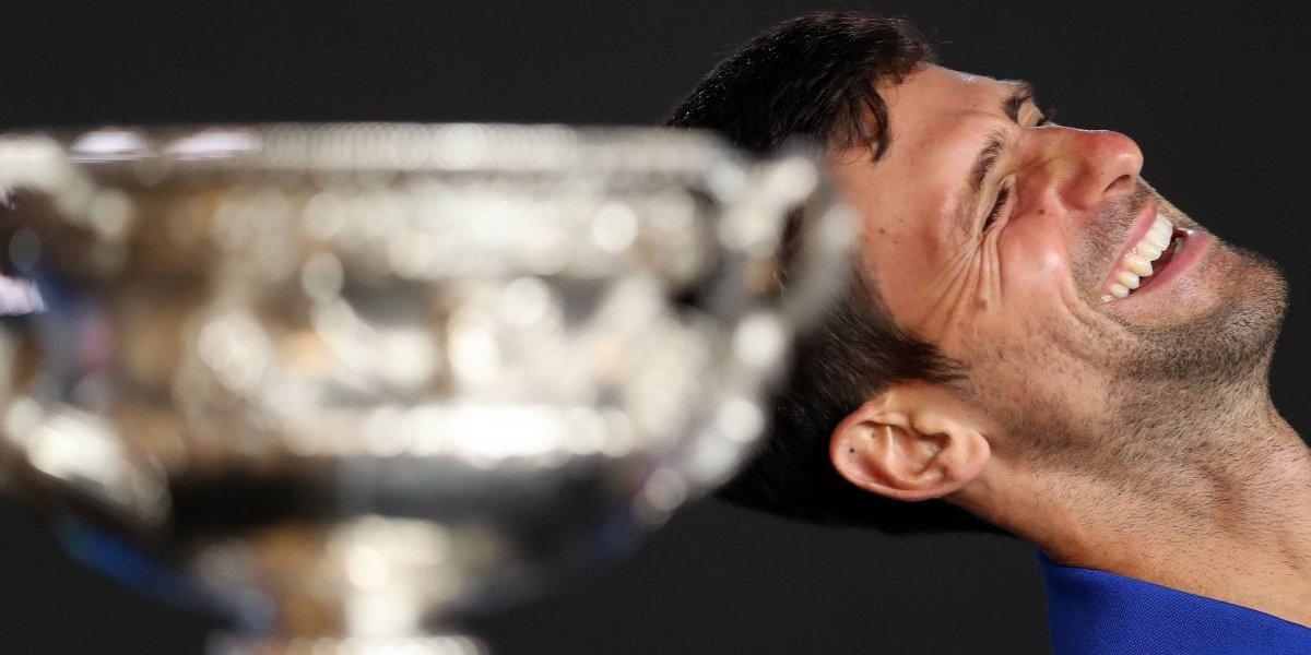 Rafael Nadal fue aplastado por Novak Djokovic quien se consagró campeón del Abierto de Australia