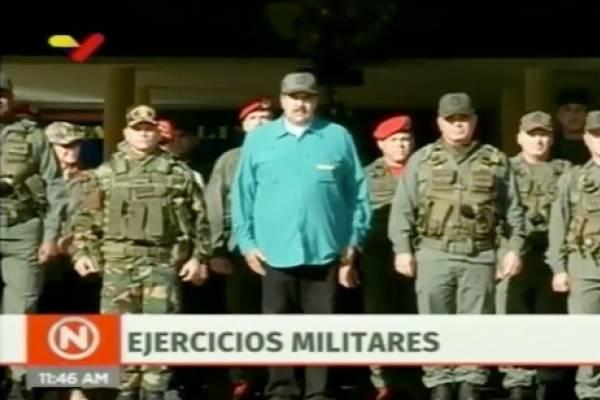 nicolás maduro en ejercicios con el ejército