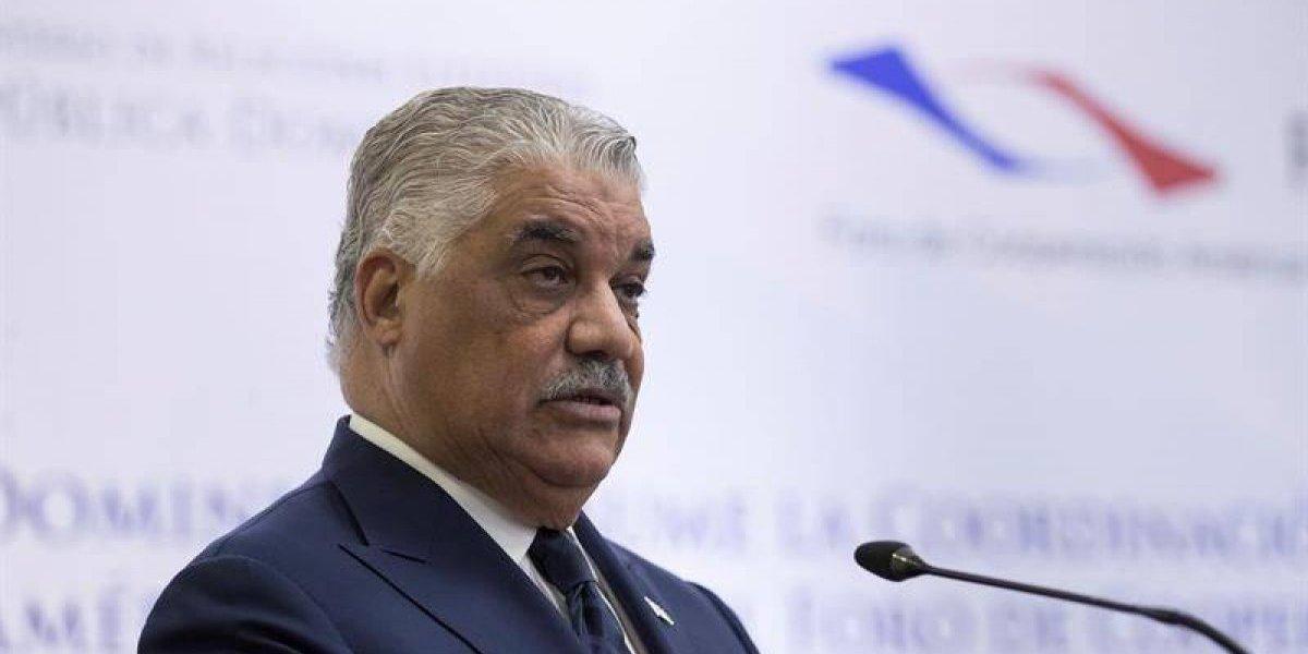 Miguel Vargas se reúne con Pompeo para tratar crisis de Venezuela
