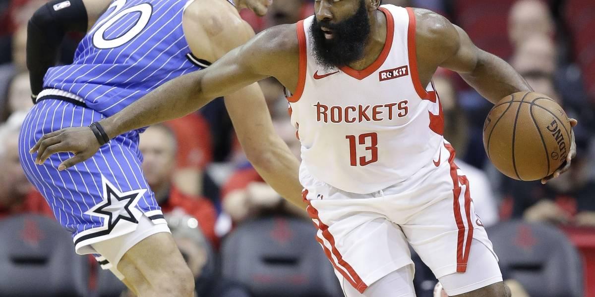 James Harden anota 40 puntos en la victoria de los Rockets
