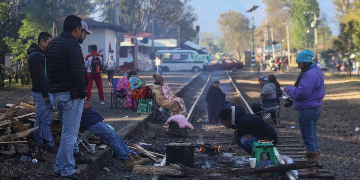 Aplican descuentos a mil 300 maestros faltistas en Michoacán