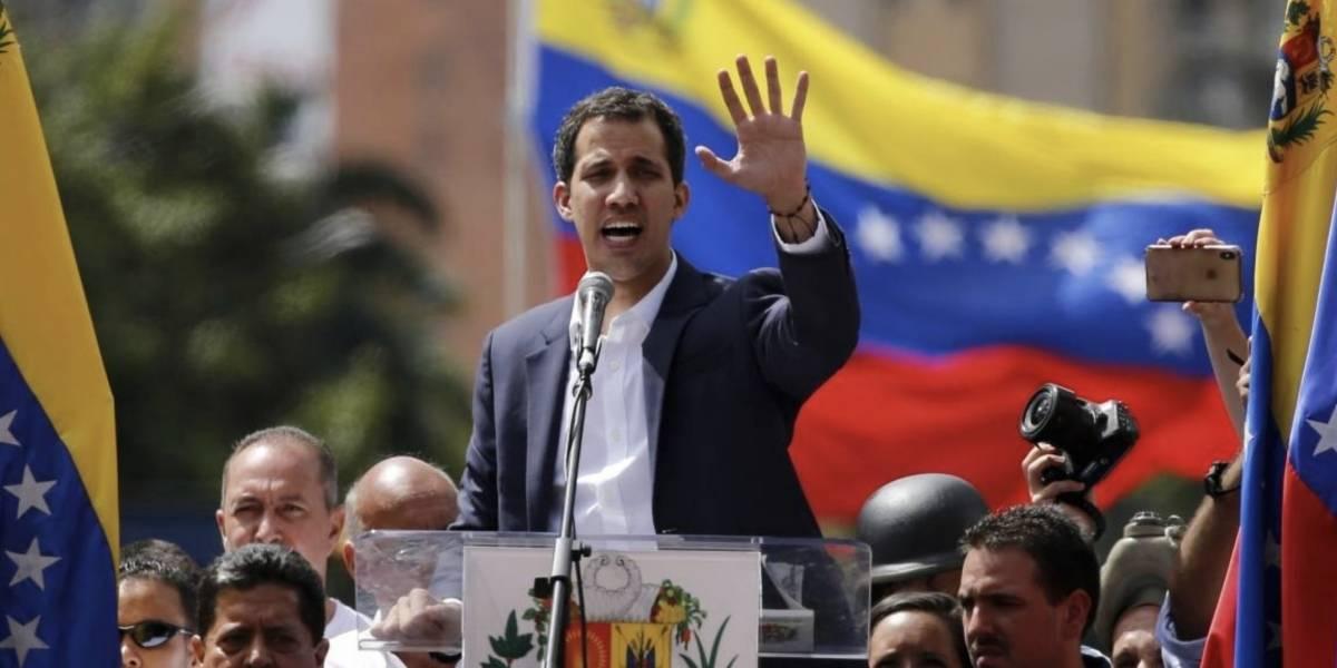 Álvaro Uribe respalda acción militar en Venezuela para apoyar a Juan Guaidó