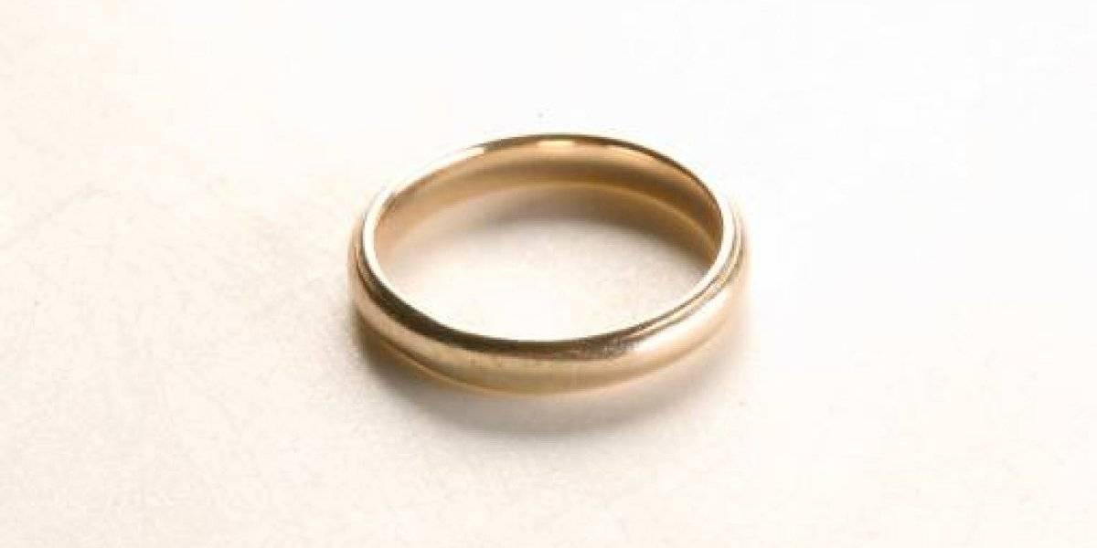 Perdió un anillo en EEUU en 1973 y apareció 47 años después enterrado en un bosque en Finlandia