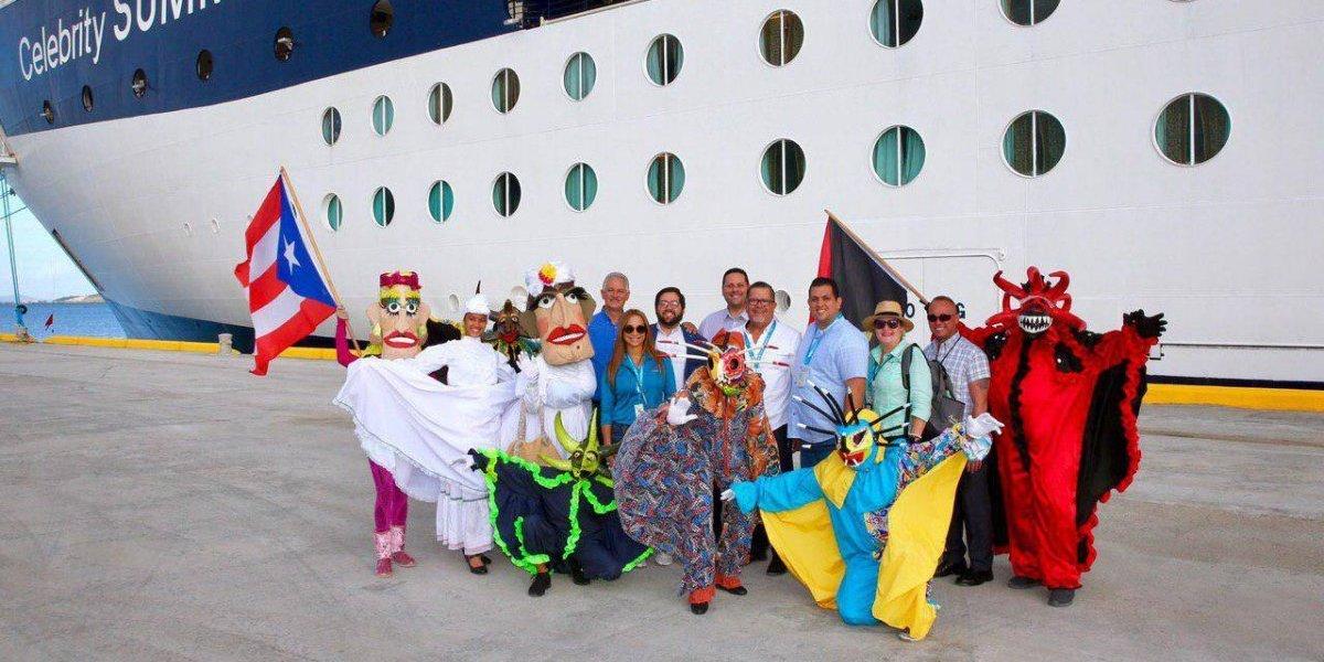 Llega el crucero Celebrity Summit a Ponce