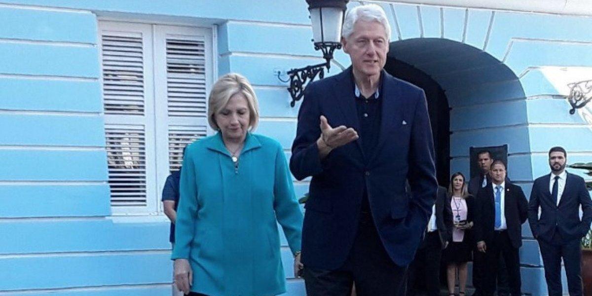 Los Clinton defienden que se liberen fondos federales comprometidos para P. R.