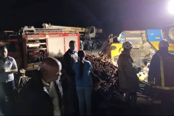 Tornado en Cuba deja varios muertos