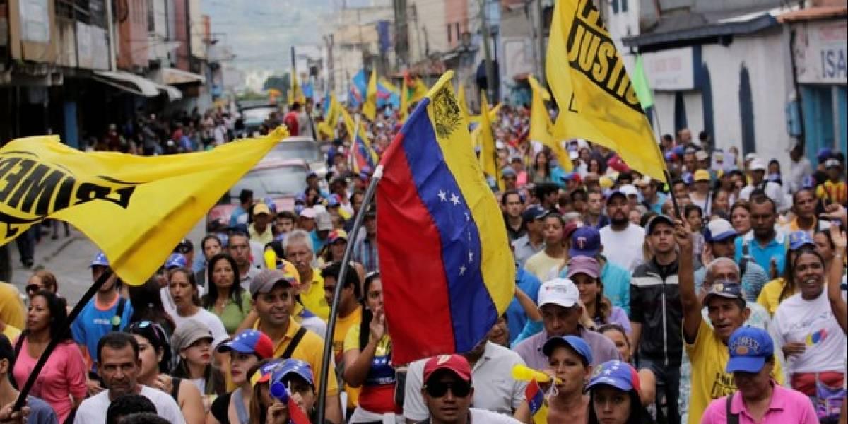 Militares venezuelanos abrem fogo contra civis na fronteira; uma mulher foi morta, 12 feridos