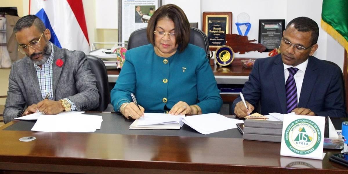 UTESA firma acuerdo acuerdo de cooperación con el Hospital de la Mujer