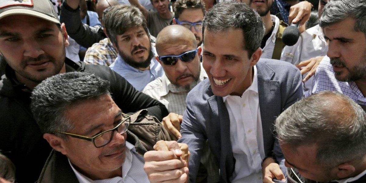 Fiscal general pide prohibir salida de Venezuela a Juan Guaidó